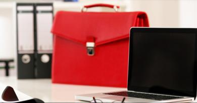 The amazing popularity of Coach Red Handbag